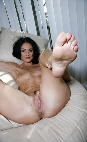 Old Pussy and Feet
