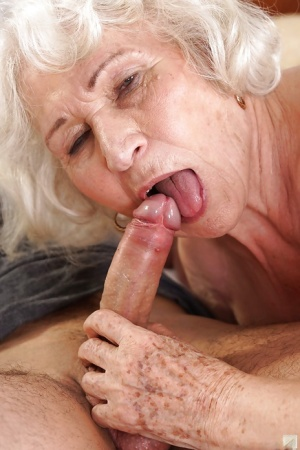 Old Pussy Blowjob